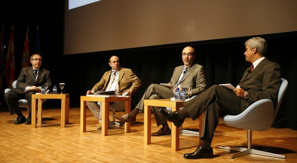 Participantes en la mesa de debate